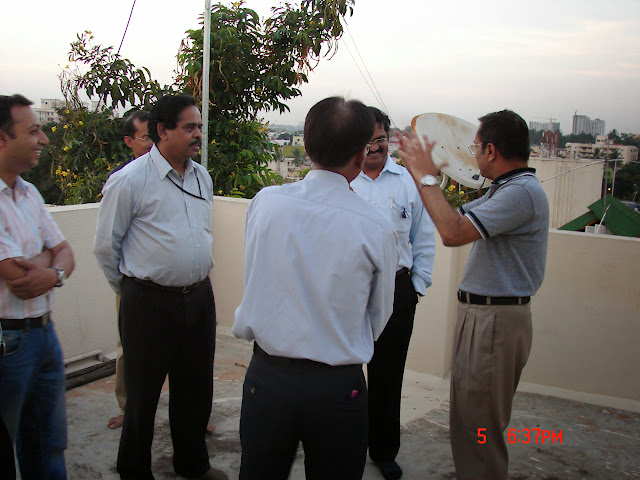 Demonstration of Amateur Radio Satellite communication to Mr Annadurai and Mr Raghavamurthy - DSC00132.JPG