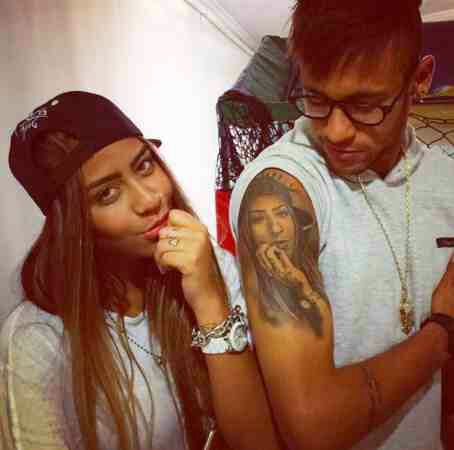 Neymar's hot sister is dating her brother's teammate (Photos)