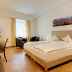 Zimmer111-a.jpg