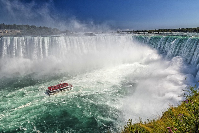 waterfalls boar niagara falls