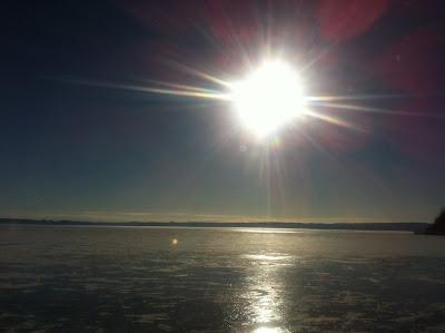凍った厚岸湖
