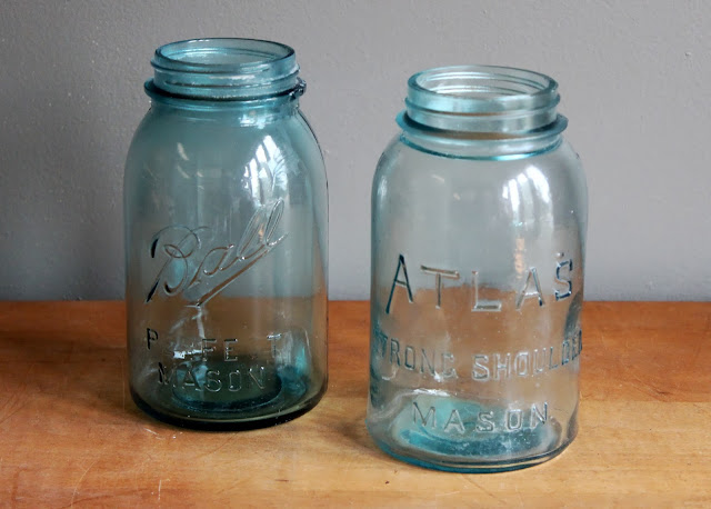 Quart-sized blue mason jars available for rent from www.momentarilyyours.com, $2.00 each.