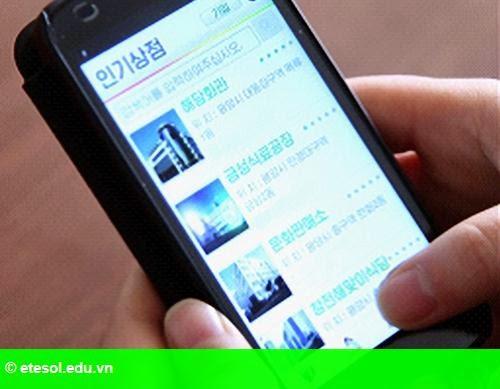 Hình 1: Người Triều Tiên tập mua sắm trực tuyến