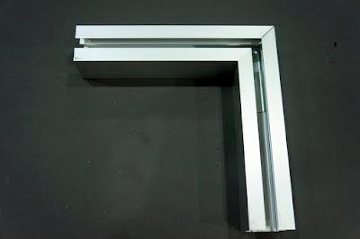 裝潢五金 品名:#6068-小型萬向L型接頭 規格:寬33m/m*高33m/m 顏色:鋁色