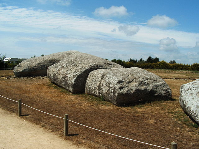 O poder fascinante dos dolmens, obeliscos e menires antigos espalhados por todo o planeta 03