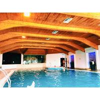 night away, Bryn Meadows, Golf, Spa, Break, swimming, massage, mud spa, pool, welsh, breakfast, dinner, steak, chicken, jacuzzi, sauna, steam room