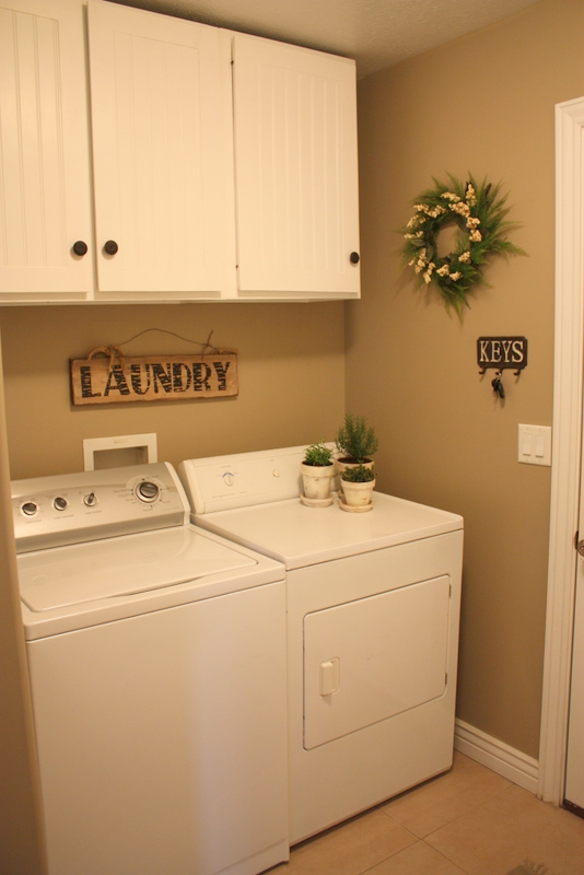 Country Girl Home Laundry Room