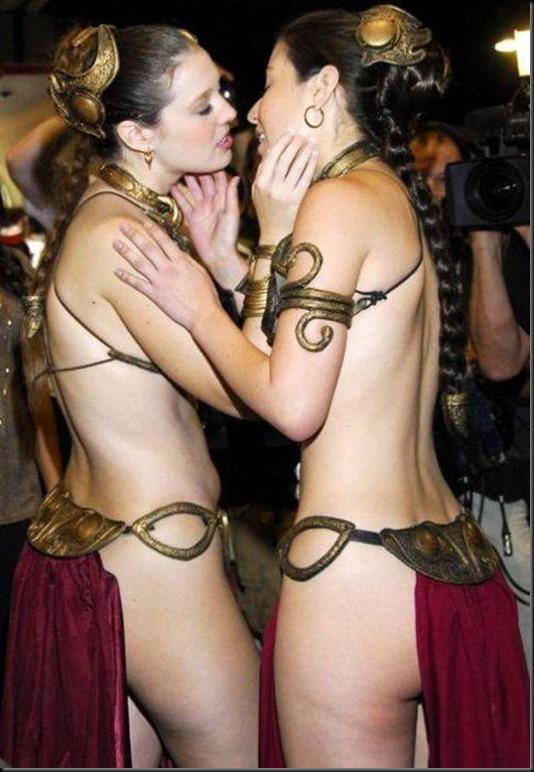 Princess Leia - Golden Bikini Cosplay_865825-0001