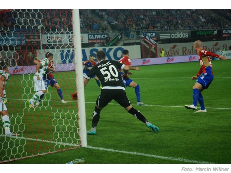 Piast  vs Lechia 2015_09_07.jpg