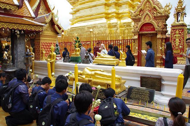 Blog de voyage-en-famille : Voyages en famille, Chiang Mai, entre Doi Suthep et Bo Sang