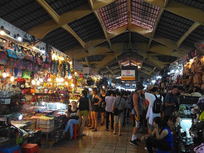 ben thanh market vietnam saigon city