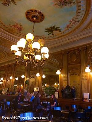 French Village Diaries Vélo Francette La Rochelle Cafe de la Paix