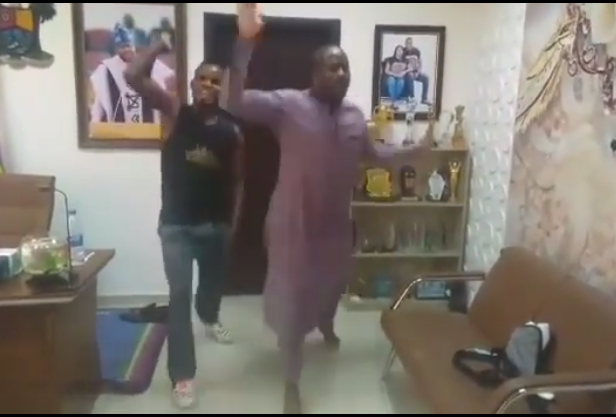 Watch video of unbothered Desmond Elliot learning the Malowa/Palliative dance