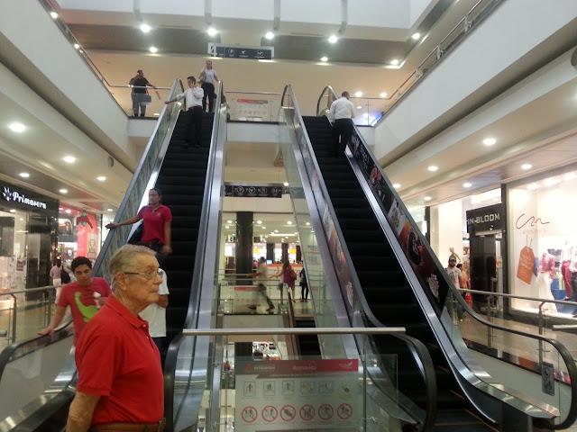 Buena Vista shopping mall, Barranquilla, Colombia