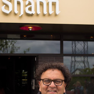 Trains, Planes and Pedhas - Vikram Vij and His Family Chicken Curry