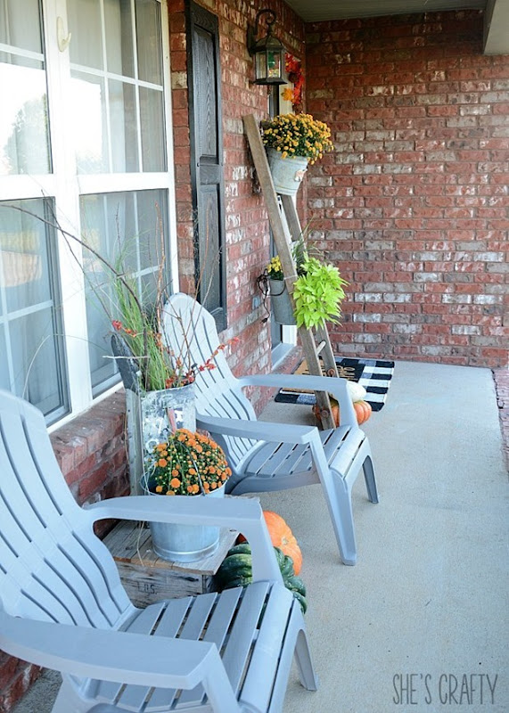 fall front porch, vintage finds, mums, red brick home