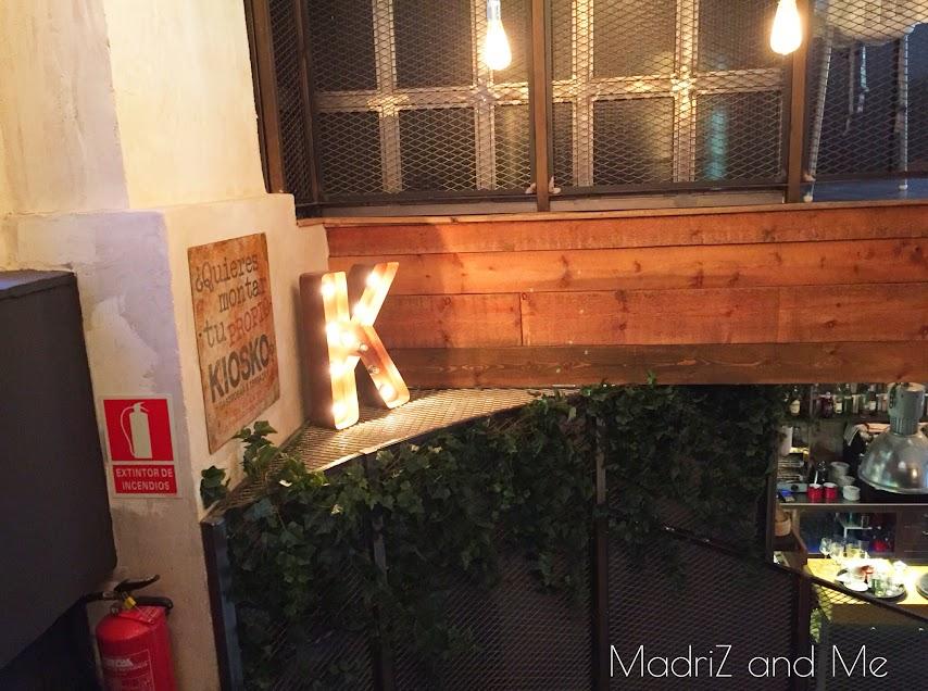 Decoración interior de El Kiosko calle Ferraz nueve