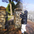Blog-KSF-2103 / Reinigungsarbeiten an der Friedhofsmauer