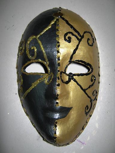 Maskers schilderen op buurvrouwendag 020.jpg