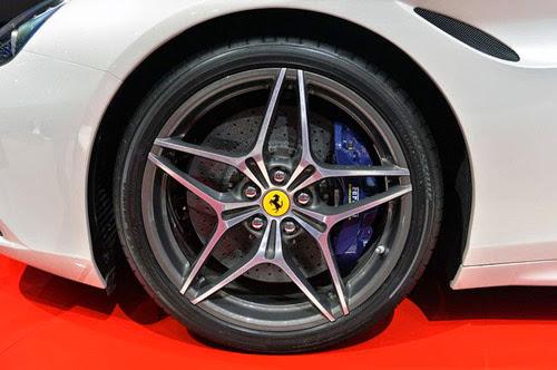 Ferrari California T: Siêu xe rẻ nhất trình làng - 8
