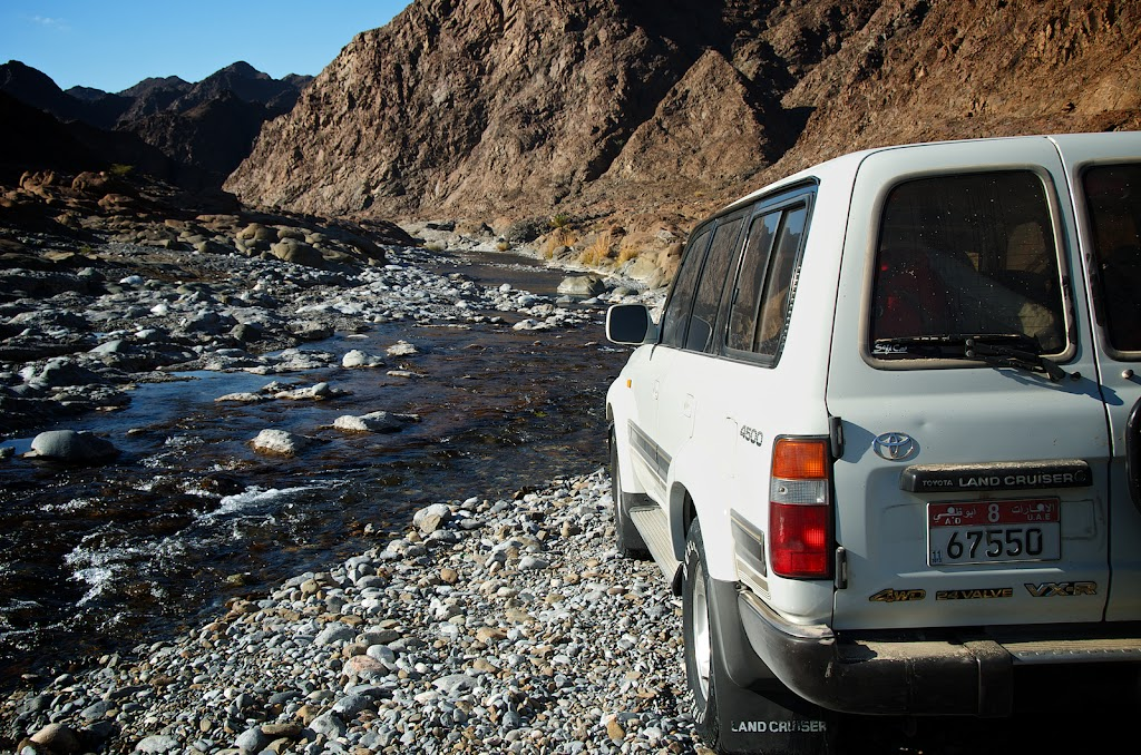 Wadi Abyad Oman Toyota Land Cruiser