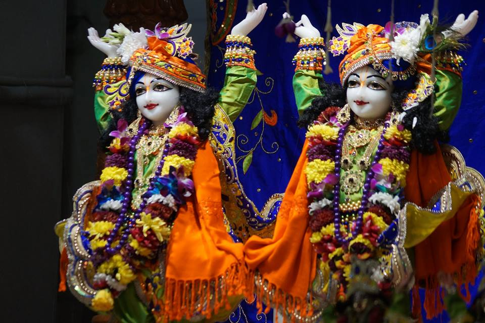 ISKCON Noida Deity Darshan 01 Jan 2017 (5)