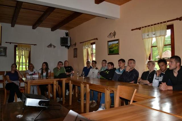 Prolecna skola u Gostoljublju 2013 - Foto%2B15.JPG