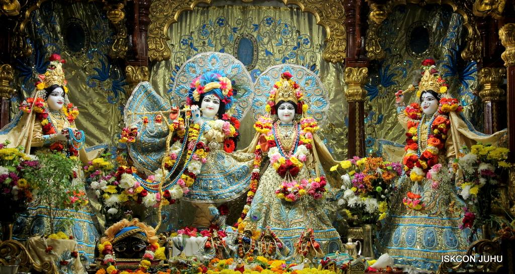 ISKCON Juhu Sringar Deity Darshan on 30th Dec 2016 (1)