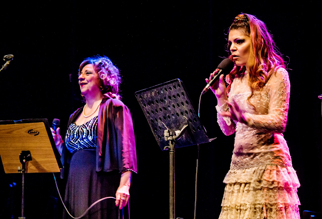 Comentario PAULA CEFALI en Regina in Concert por Gabriel Chapur