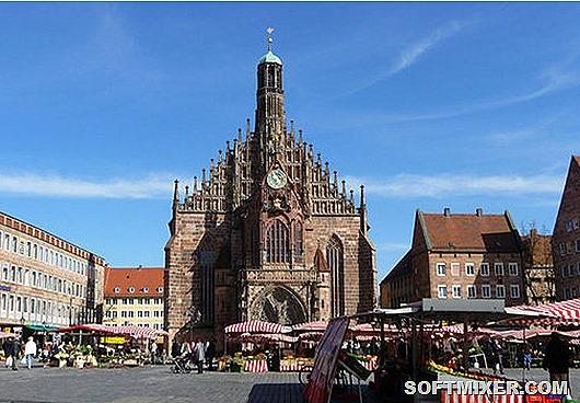 119299392_5528338_frauenkirchehauptmarktnuernbergba