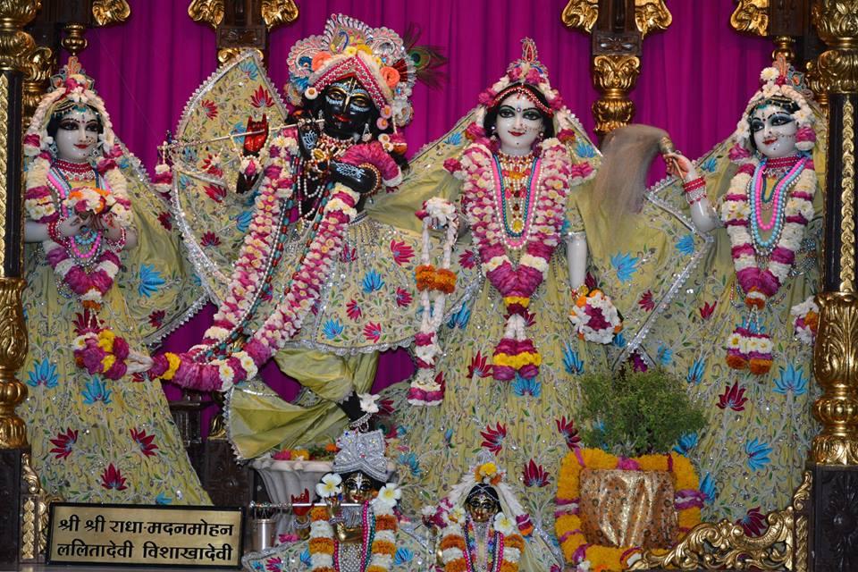 ISKCON Ujjain Deity Darshan 1 April 2016 (10)
