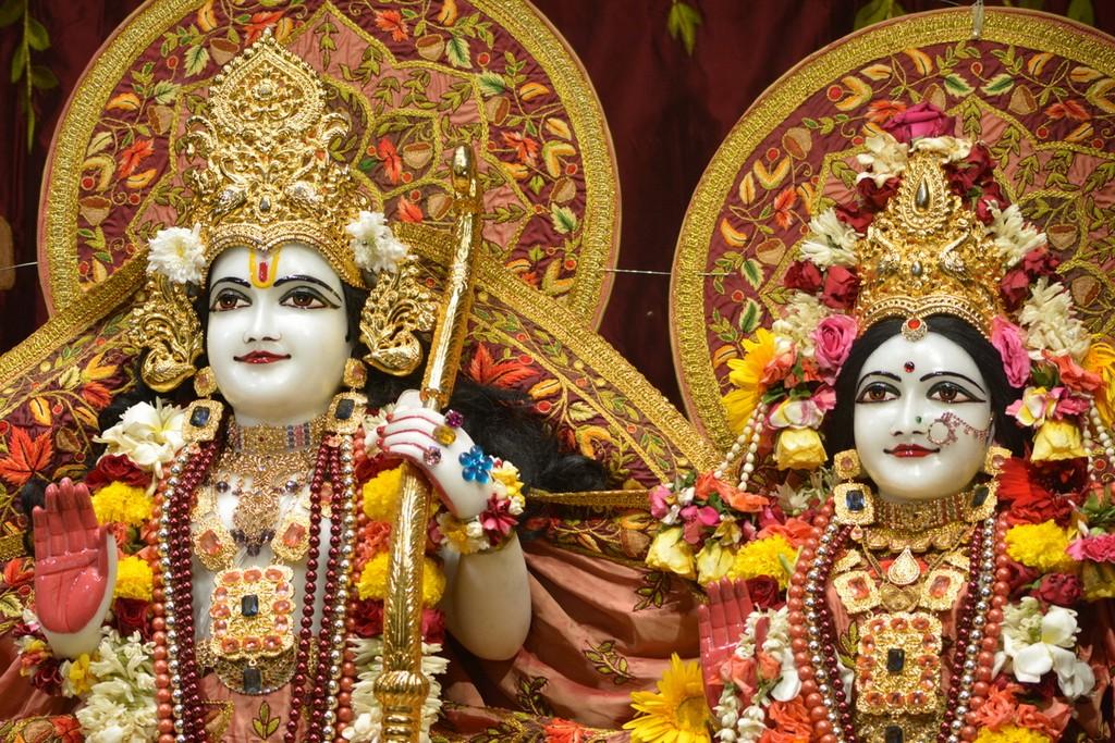 ISKCON Juhu Deity Darshan 28 Mar 2016  (27)