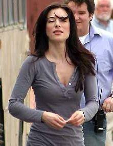 Jaime Murray Profile pictures, Dp Images, Display pics   Facebook, Instagram, Pinterest.