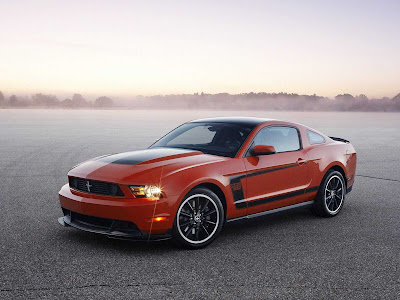 Ford-Mustang_Boss_302_2012_1600x1200_Front_Angle_09