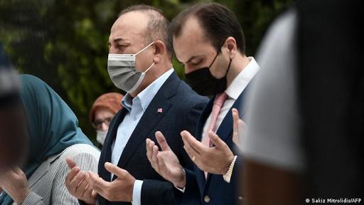 غضب كبير في اليونان بعد زيارة وزير الخارجية التركي للجالية المسلمة