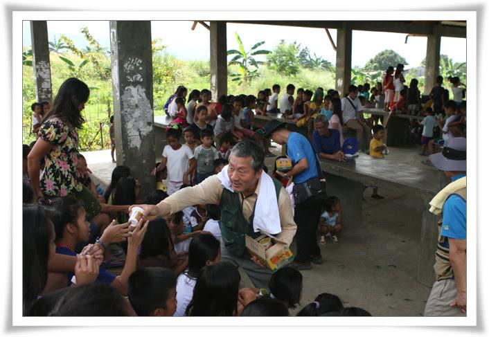 2012. 11. 18. 필리핀 건축선교 (18).jpg