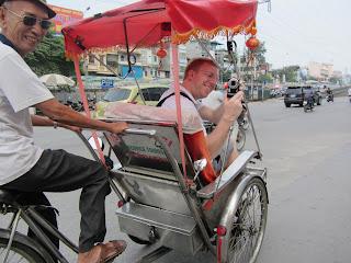 0009Pedicab_Ride_in_Hanoi