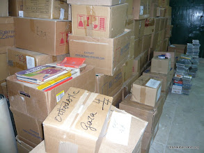 Photo: La moitié des ouvrages et DVD stockés à Jérusalem