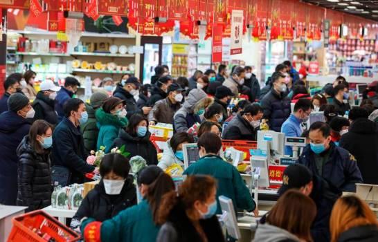 El balance del coronavirus en China sube a 54 muertos, 300 nuevos casos