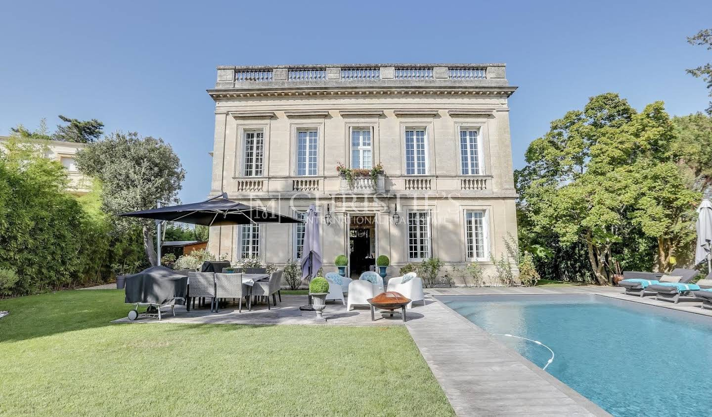House with pool Bordeaux