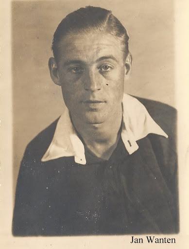 1947-1948 (7).JPG