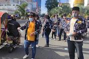 Jumat Berkah, AMPI Medan Barat Bagikan 4000-an Masker Dan Nasi Bungkus Kepada Pengguna Jalan