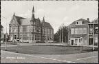 Woerden. Stadhuis met Nutsspaarbank en Bank T Goe Ongelopen.