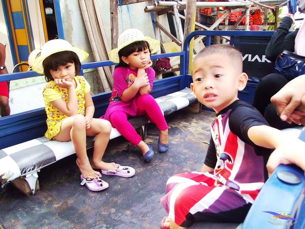 family trip pulau pari 090716 Fuji 123