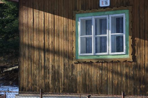 Okno v Bielej