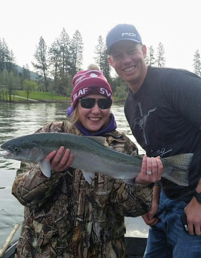 Rogue river fishing guides and trips salmon and for Usa fishing report