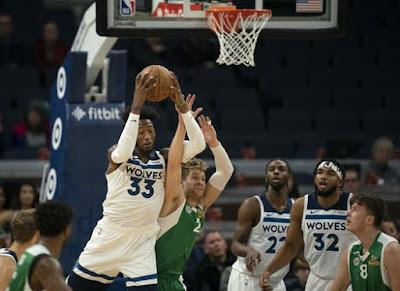 Defensive Rebound dalam Basket - Teknik Dasar Bola Basket