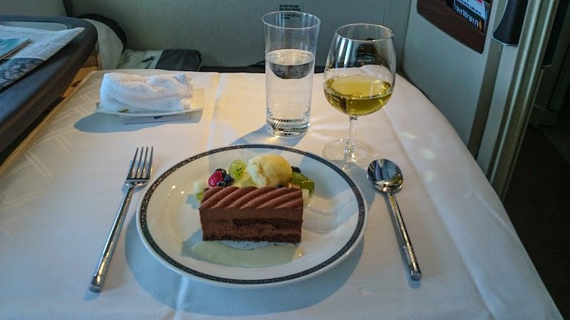 SIN%252520PVG 82 - REVIEW - Singapore Airlines : Suites - Singapore to Shanghai (A380)
