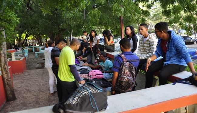 Cerca de dos millones de dominicanos mayores de 15 años no ha completado su educación básica