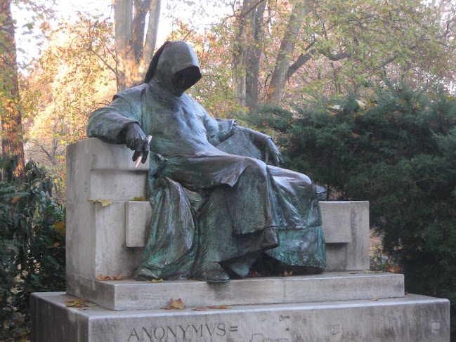 Anonymous statue in Budapest